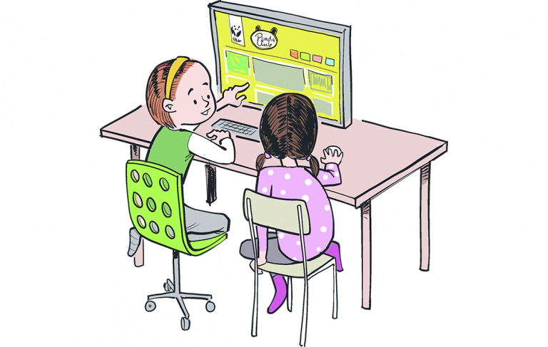 Zwei Kinder schauen sich die Pandaclub-Website an.